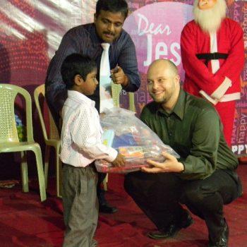 Christmas 2009 dr john joseph foundation (17)